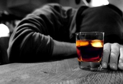 """Стоит """"перебрать"""", и алкоголь из друга превращается в одного из самых опасных врагов человечества..."""